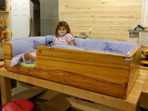 wood_toddler_bed_002